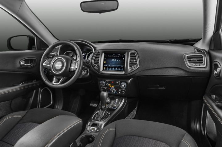 Jeep Compass 2017 Interiors