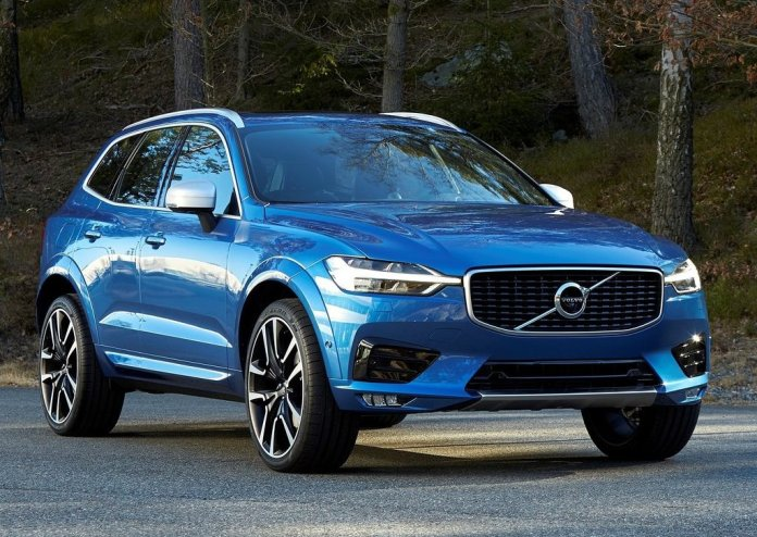 2018-volvo-xc60-official-images-front-angle-2