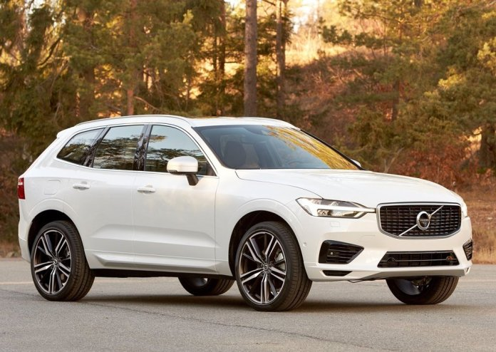 2018-volvo-xc60-official-images-front-angle
