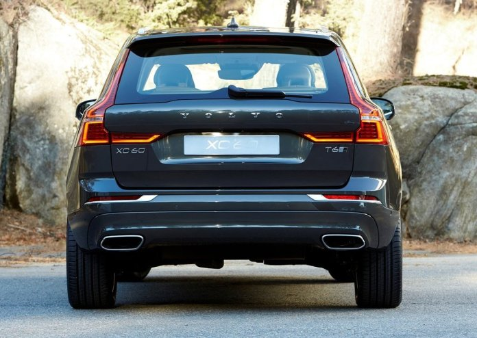 2018-volvo-xc60-official-images-rear