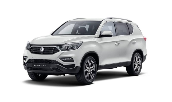 2018-SsangYong-Rexton-front-angle