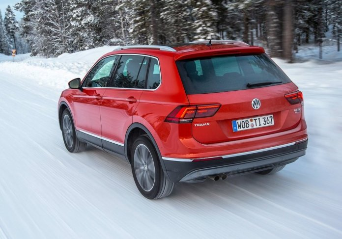 volkswagen-tiguan-india-official-images-rear-angle-action