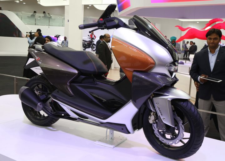 TVS-Motor-Company-unveiled-TVS-ENTORQ210-at-Auto-Expo