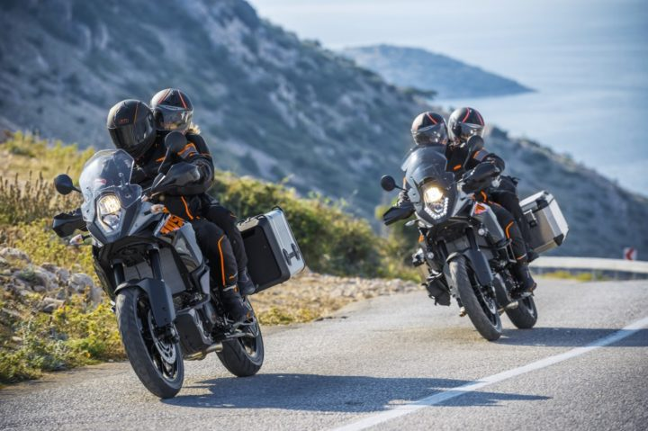 ktm-1050-adventure-images-